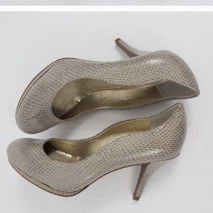 """Tahari Colette taupe snakeskin round toe 3.5""""heels"""